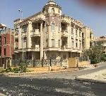 شقه بموقع مميز ناصيه تطل علي Cairo festival city